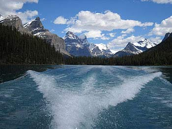Maligne Lake, Canada Explorer Tour