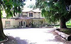 Cedar Woods Lodge, Bed & Breakfast