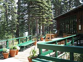 Sierra Nevada Trails mountain lodge